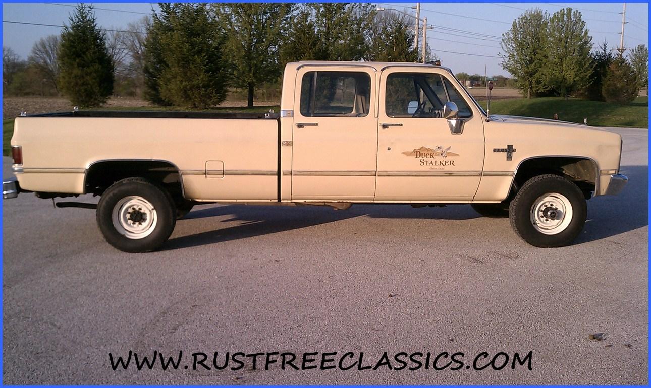 1984 Chevy Silverado 4x4 crew cab 1 ton non dually 89000 tan 84